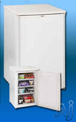 Avanti Freestanding Upright Freezer VM319W