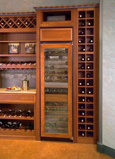 "Northland 242ZS 24"" Dual Zone Wine Cellar with 98-Bottle Capacity, 14 Glide-Out Wire Shelves, U.S. & Canada 242ZS"