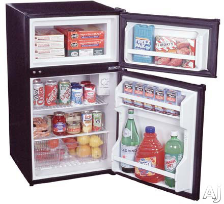 Compact Refrigerator With Adjustable Wire Shelf, Door Storage, Manual  Defrost Freezer, Dual Evaporator Cooling And ADA Compliant: Bl