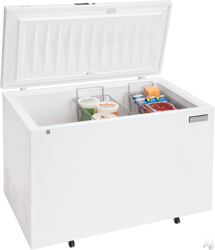 Frigidaire Commercial Series FCCS151FW 14.8 Cu. Ft. Commercial Chest Freezer with 2 Wire Baskets, U.S. & Canada FCCS151FW