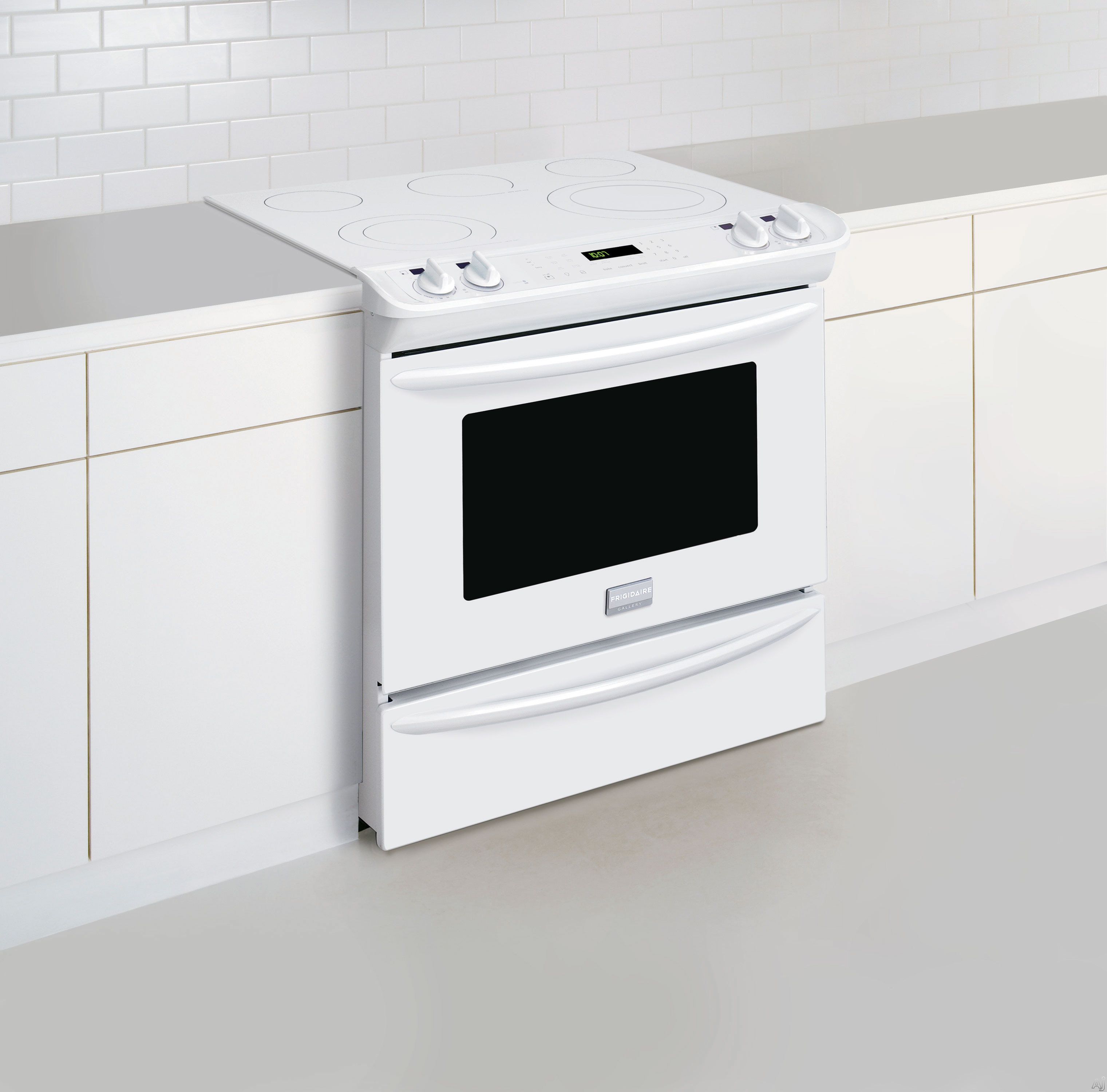 """Frigidaire FGES3065PW 30"""" Slide in Smoothtop Electric"""