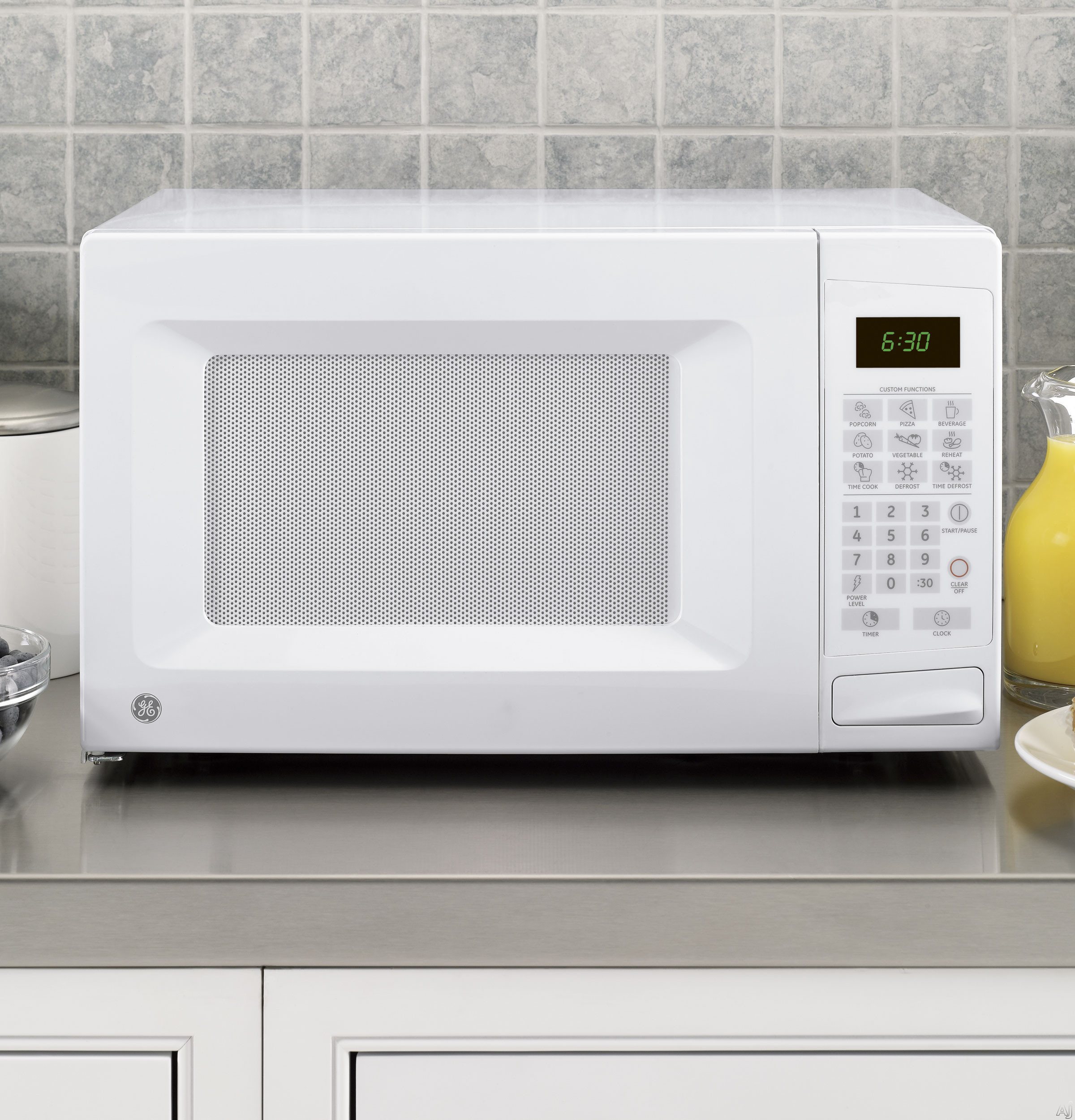 GE JES1139DSWW 1.1 cu. ft. Countertop Microwave Oven with 1,100 ...