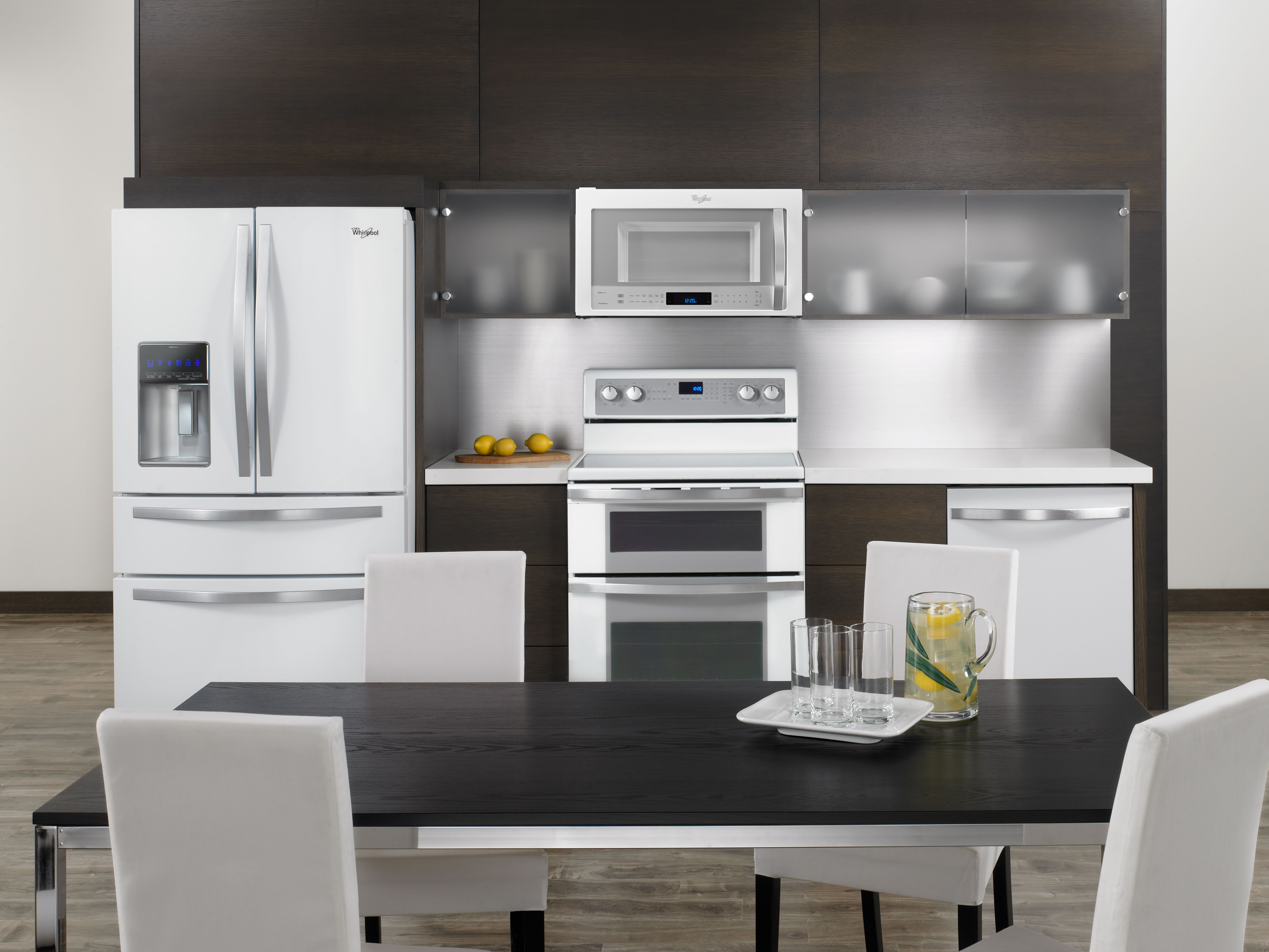 Whirlpool Wmh73521cs 2 1 Cu Ft Over The Range Microwave Oven With 400 Cfm Ventilation 1 100