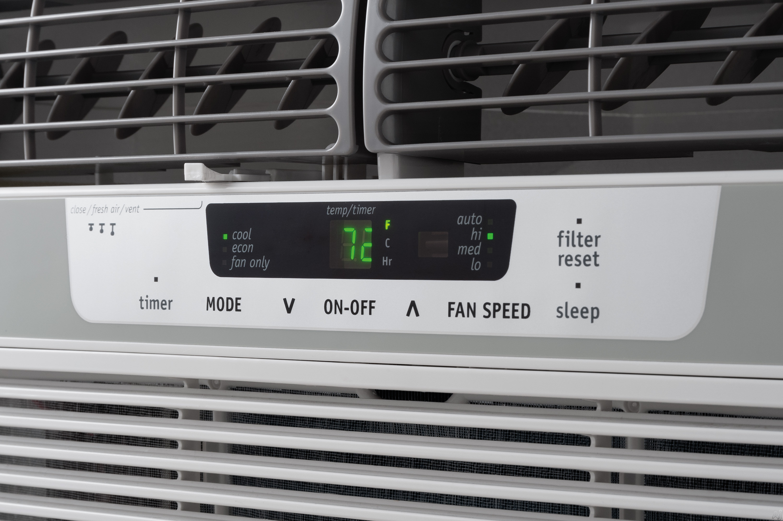 Frigidaire FFRA1022R1 10 000 BTU Window Air Conditioner with 10.9 EER  #377A30