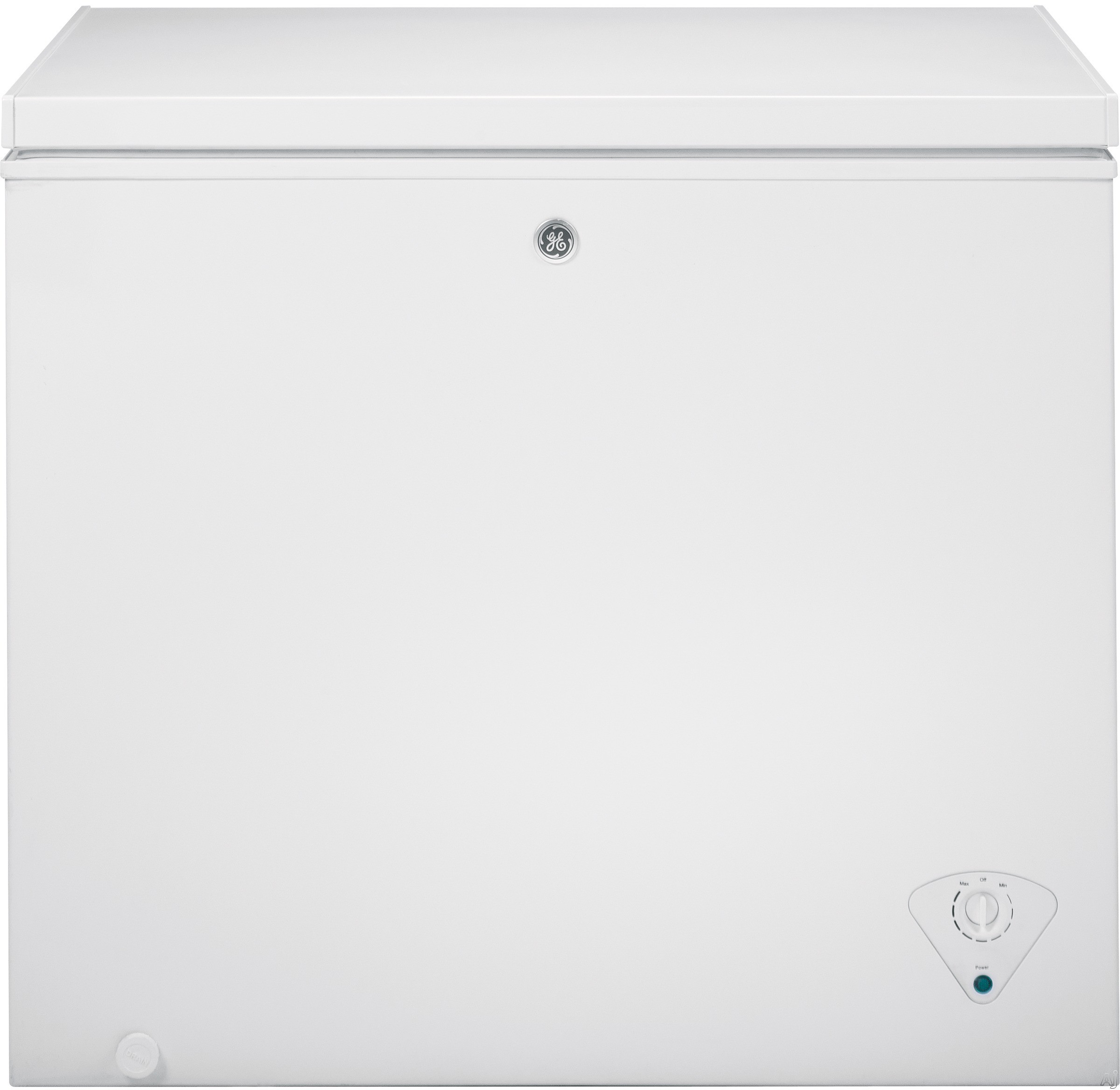 "Image of ""GE FCM7SKWW 7.0 cu. ft. Manual Defrost Chest Freezer with 2 Lift-Out Sliding Storage Baskets, Power """"On"""" Light, Recessed Handles and Adjustable Temperature Control"""