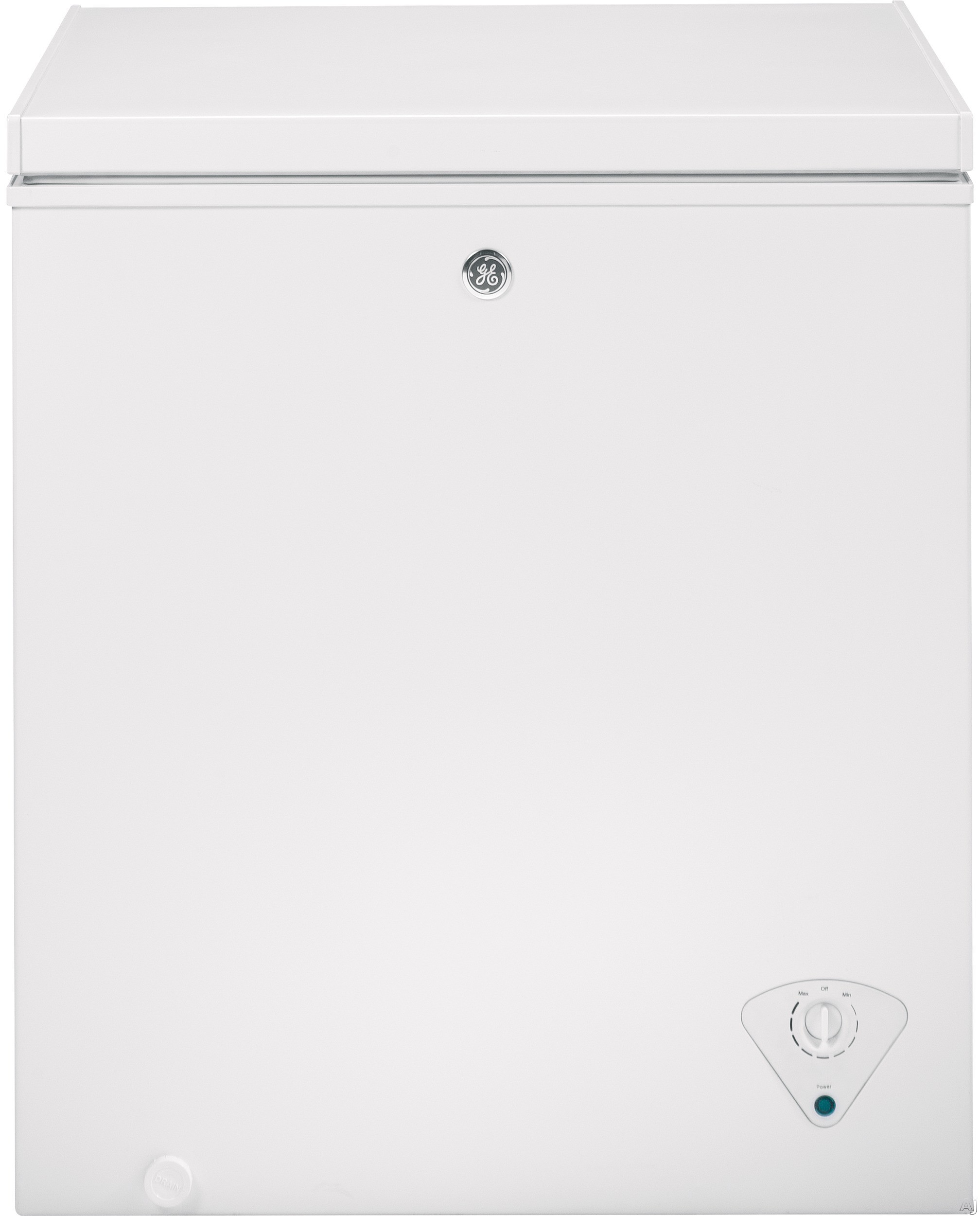 "Image of ""GE FCM5SKWW 5.0 cu. ft. Manual Defrost Chest Freezer with 1 Lift-Out Sliding Storage Basket, Power """"On"""" Light, Recessed Handles and Adjustable Temperature Control"""