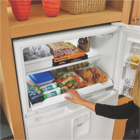 Whirlpool Gr2shwxps 21 7 Freestanding Top Freezer Refrigerator With External Ez Touch