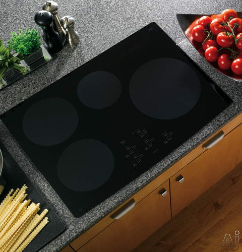 "GE Profile CleanDesign PHP900DMBB 30"" Induction Cooktop with 4 Induction Elements, Electronic Touch, U.S. & Canada PHP900DMBB"