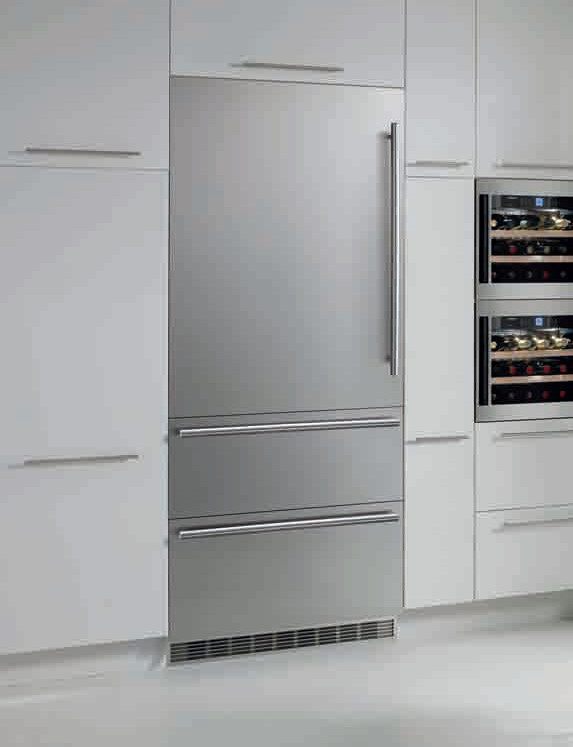 Liebherr Hcb1561 30 Inch Fully Integrated Bottom Freezer Refrigerator With 14 1 Cu Ft Capacity 3 Gl Shelves Biofresh Compartment 2 Drawers